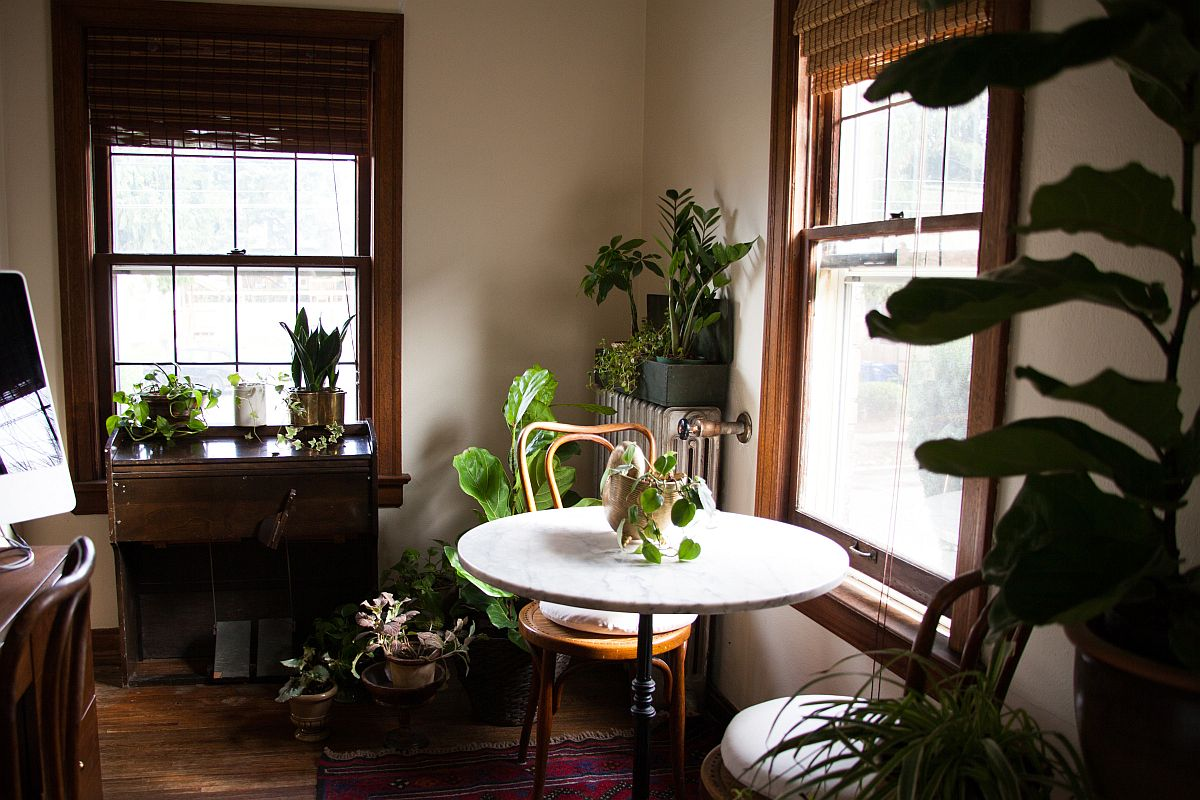 Vintage eclectic dining room is all about green goodness