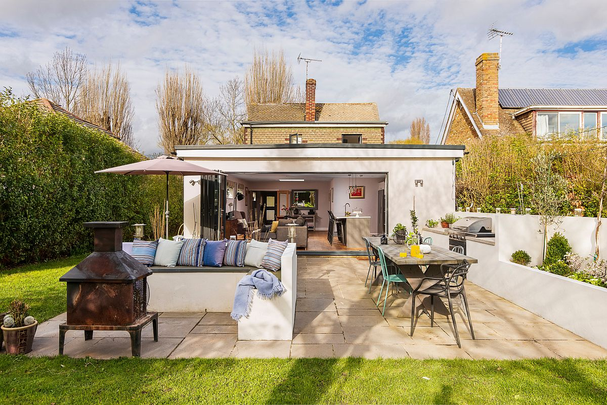Add an outdoor kitchen to your garden-scape to create a more complete outdoor garden