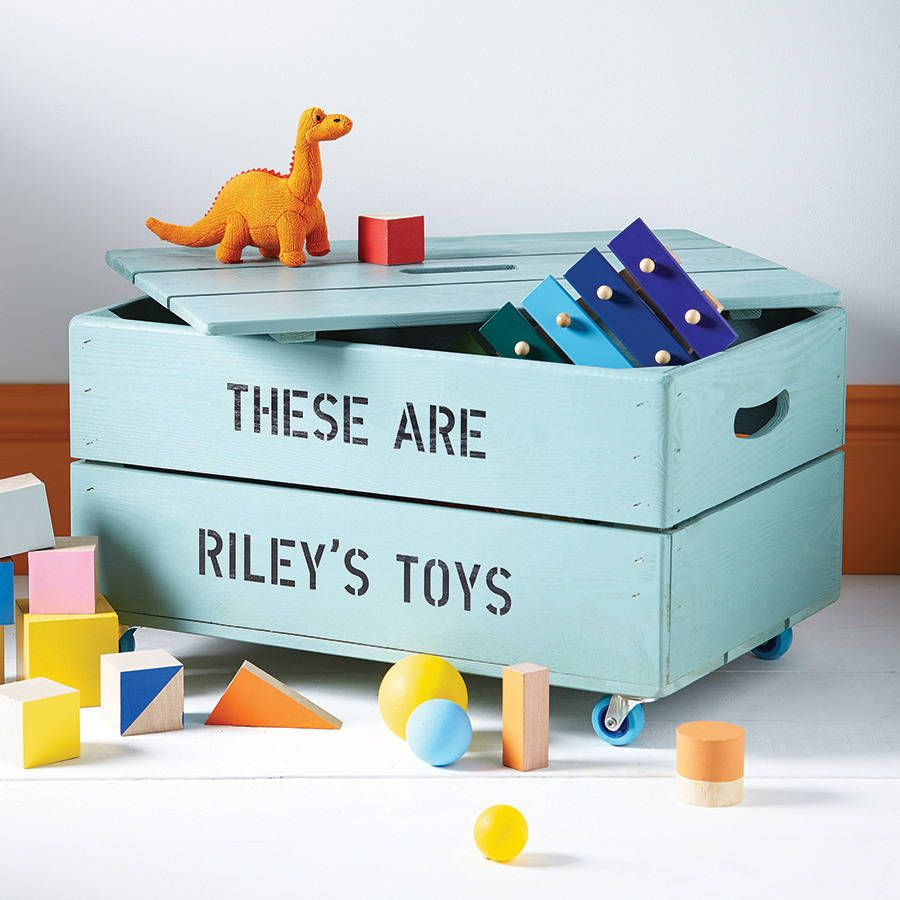 Add something special to the kids' room with a perzonalized storage box