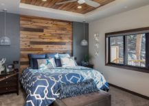 Combine-wooden-accens-and-natural-finishes-with-bright-colors-in-the-bedroom-69670-217x155