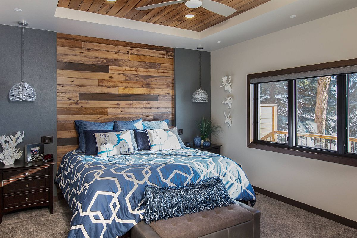 Combine wooden accents and natural finishes with bright colors in the bedroom