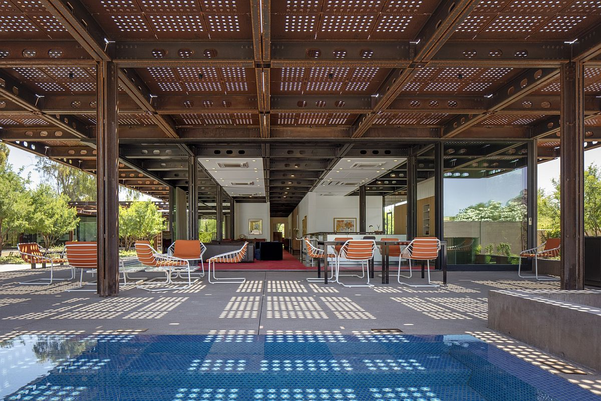 Corten steel structure combines shade with adaptable design at the open courtyard house