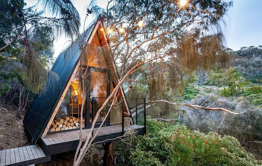 Duckboards and a small entry deck lead to the fabulous treehouse