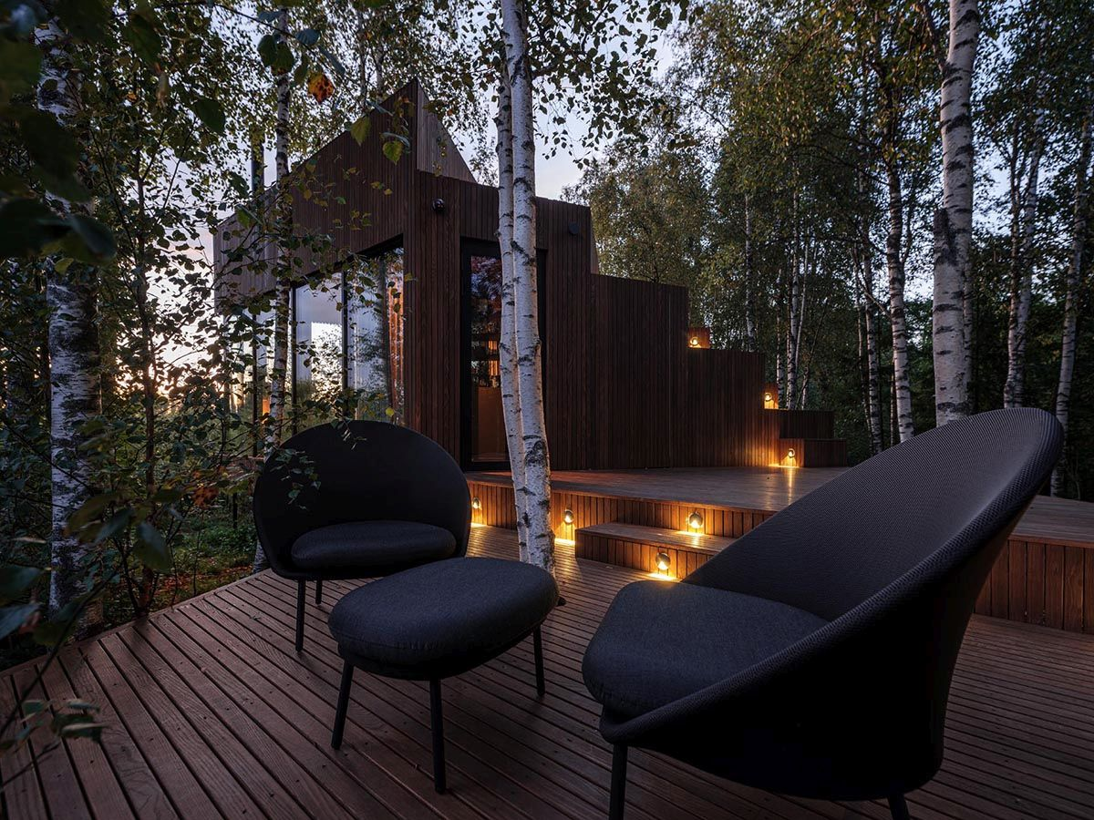 Fabulous-lighting-and-captivating-views-make-outdoor-life-at-the-cabin-an-absolute-pleasure-86796