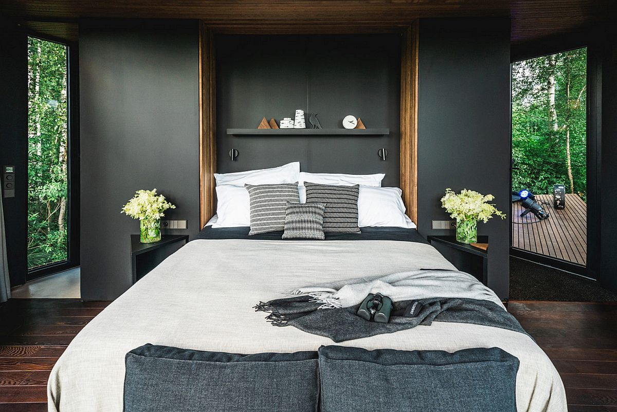 Gorgeous-bedroom-of-the-small-cabin-escape-with-contemporary-style-and-gray-wall-backdrop-30884