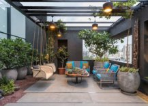 Innovative-contemporary-pergola-in-gray-turns-the-backyard-into-a-wonderful-hangout-23720-217x155