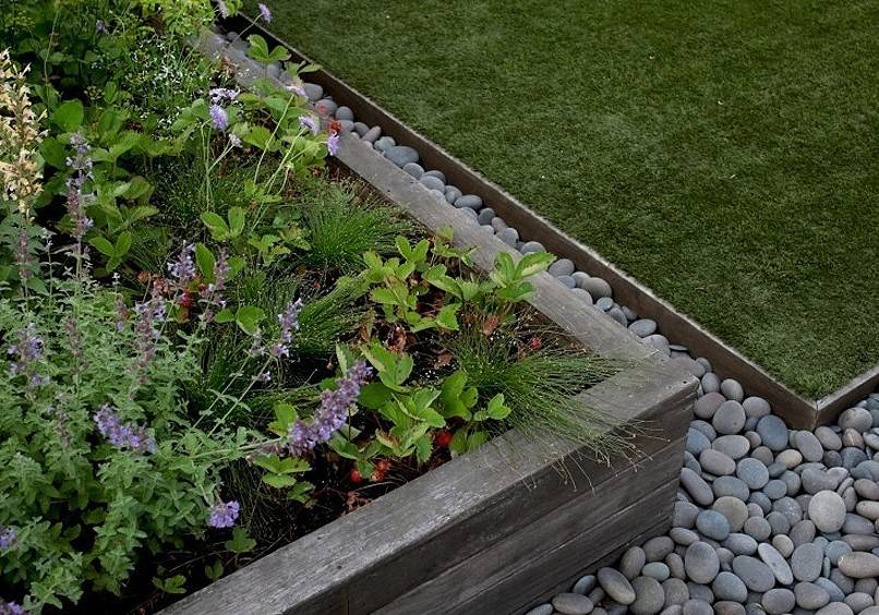 Metal edging landscape with stones