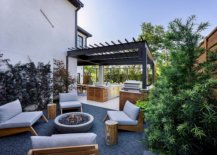 Metallic-structure-of-the-pergola-feels-like-a-natural-extension-of-the-home-next-to-it-14398-217x155