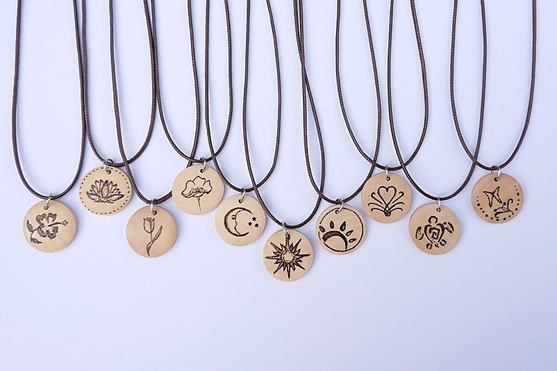 Necklaces with round wood pendants
