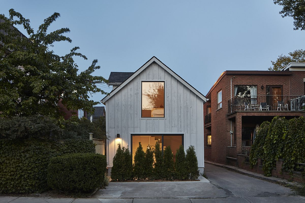 Street view of the laneway house in Toronto with space-savvy design