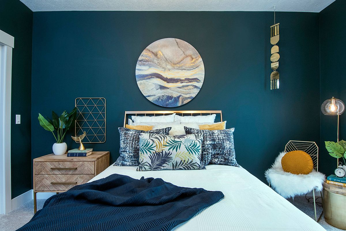Vivacious modern beach style bedroom with dashing teal walls and fabulous print