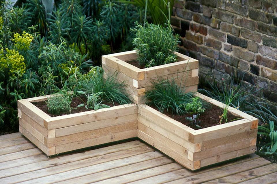 wooden tiered corner planter