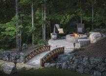 Beautiful Natural Backyard Fire Pit Landscaping Design
