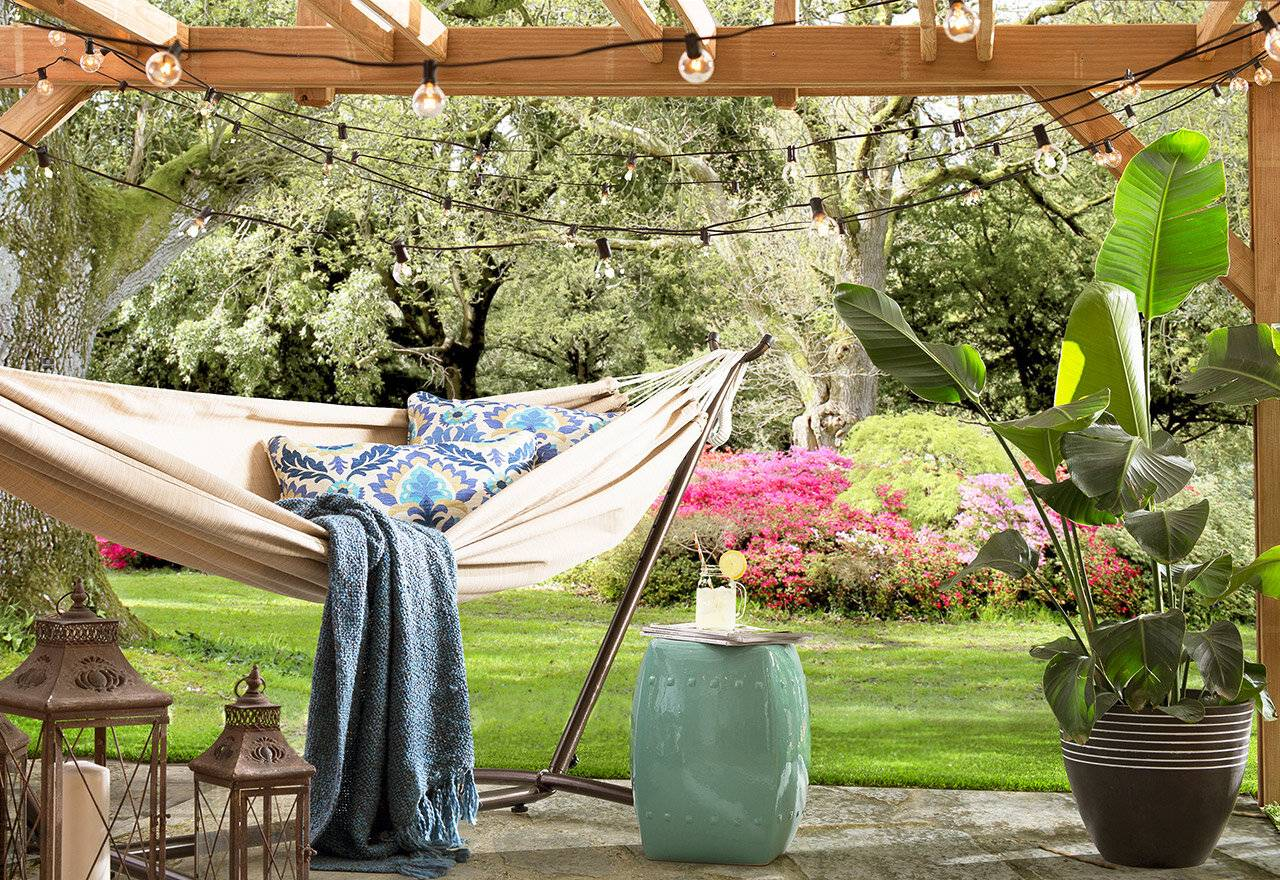Backyard Patio Outdoor Hammock and Stand Seating