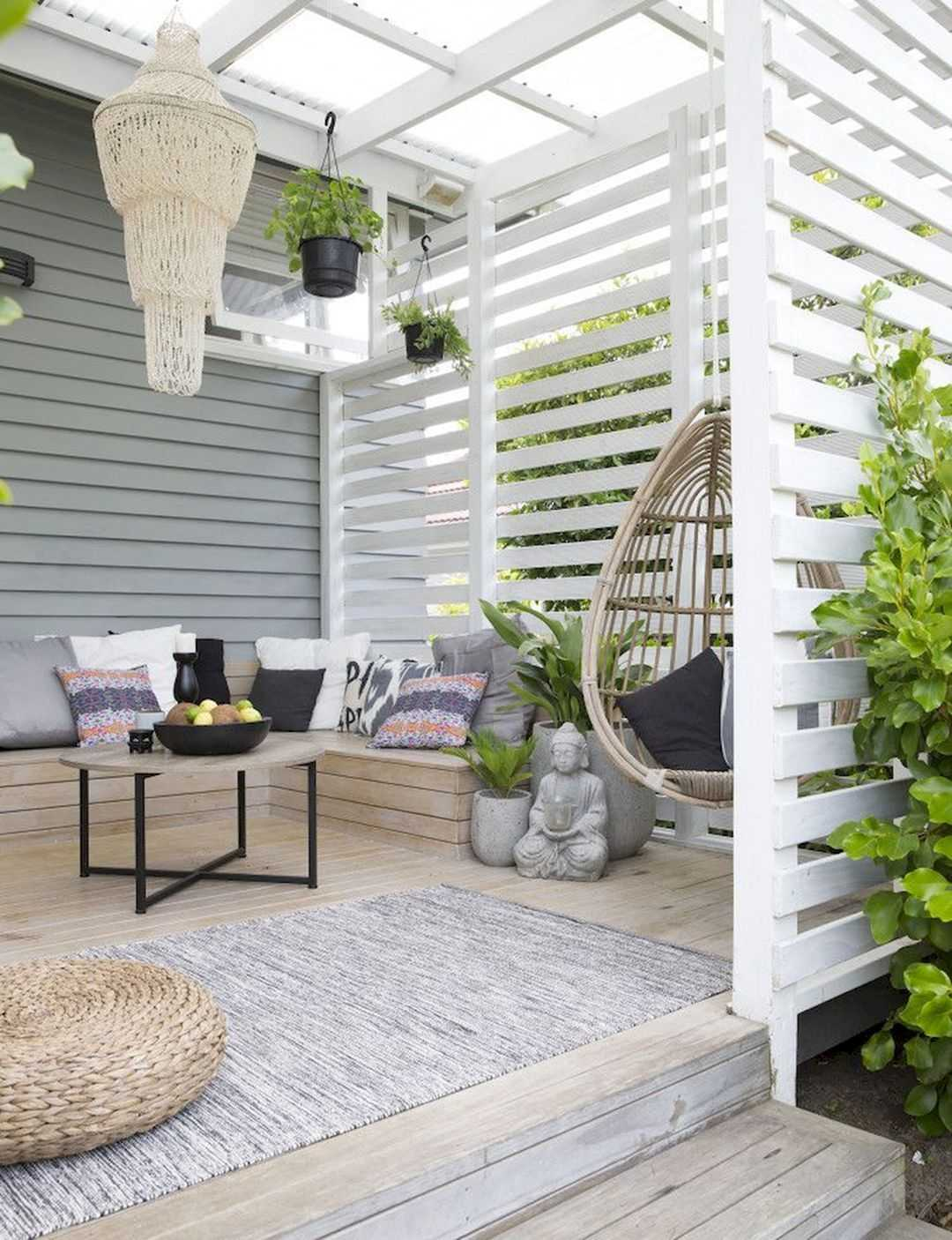 White Modern Fence Privacy Wall Patio