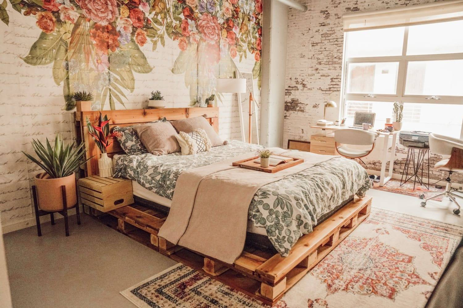 Modern Boho Chic Pallet Bed Floral Wall Art Rustic Area Rug