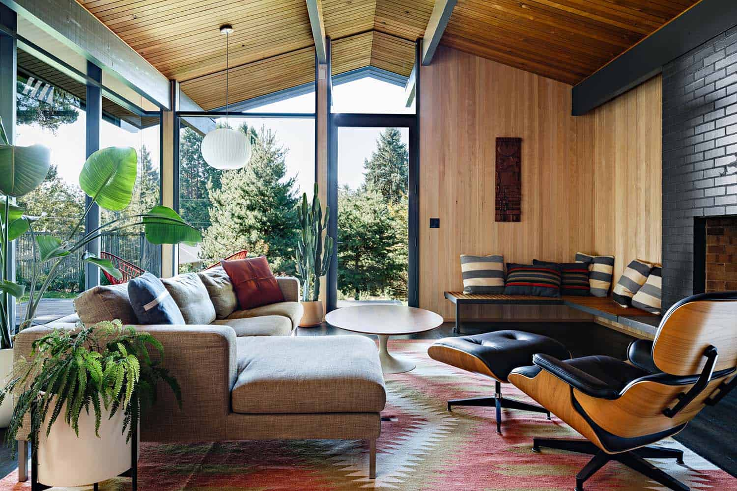 Eames Lounge Chair Mid Century Modern Style