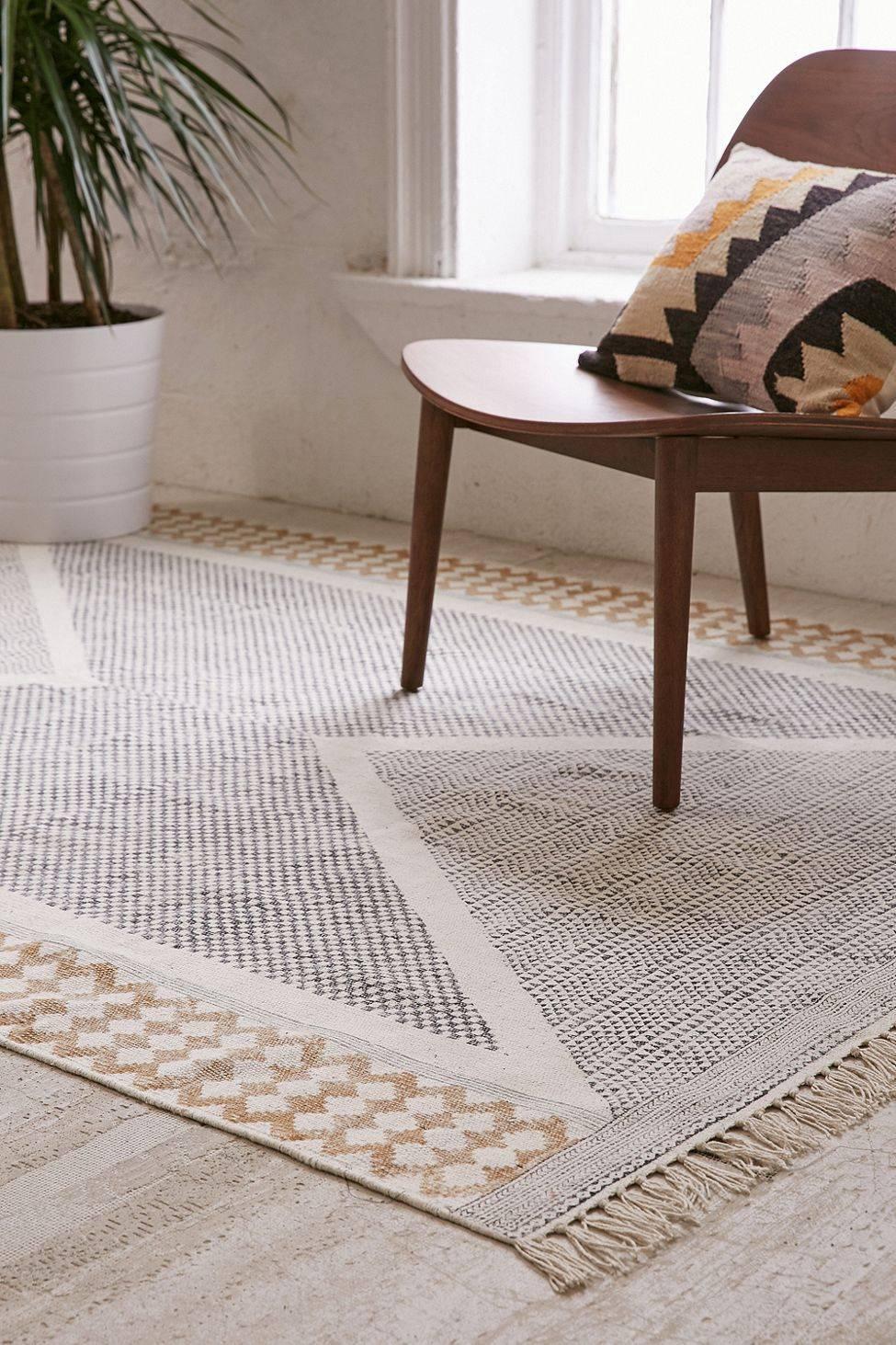 Calissa Block Printed Rug Urban Outfitters Trend Fringe Boho Geo Carpet