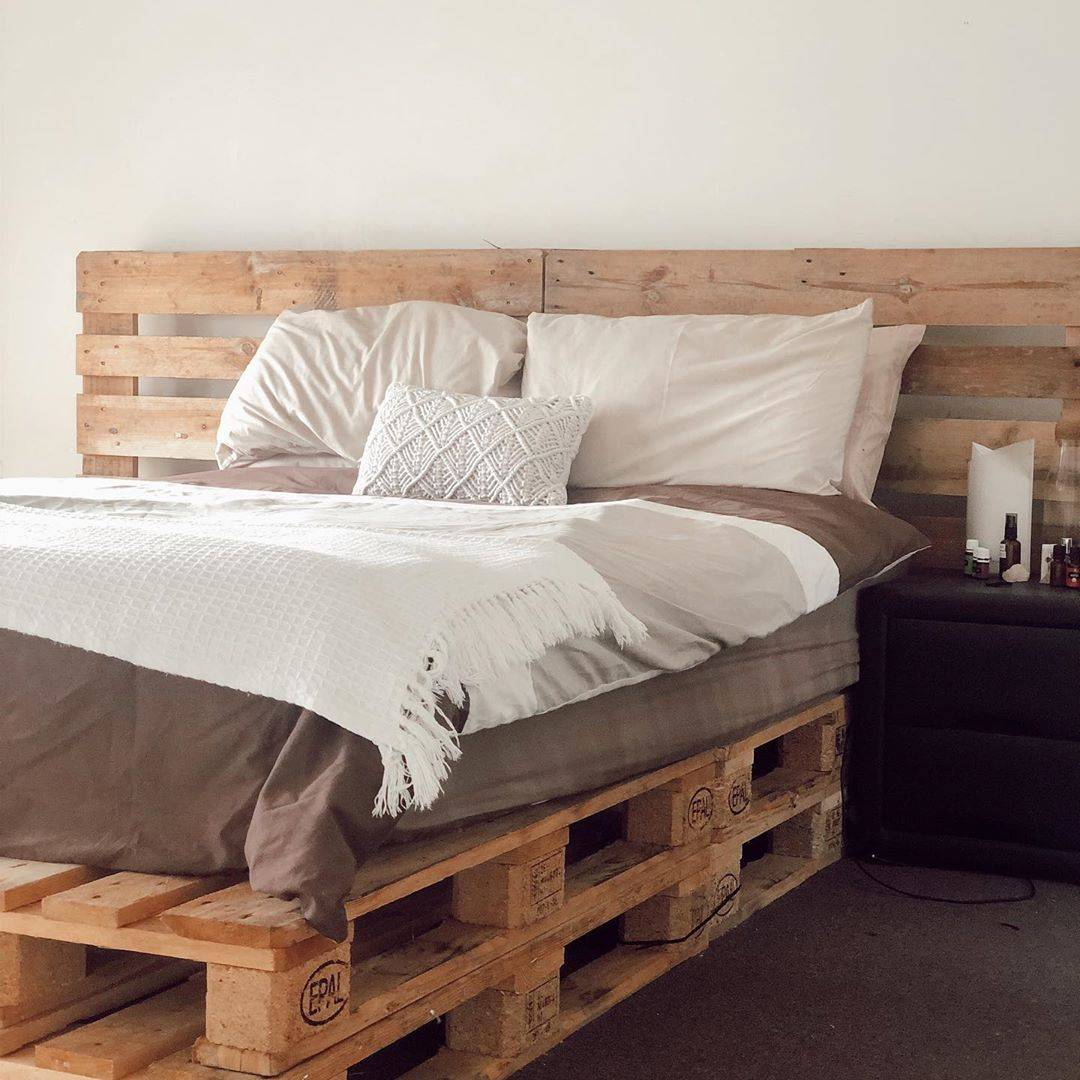 DIY Wood Pallet Bed Minimalist Decor Grey Fringe Bedding Textured Throw Pillow