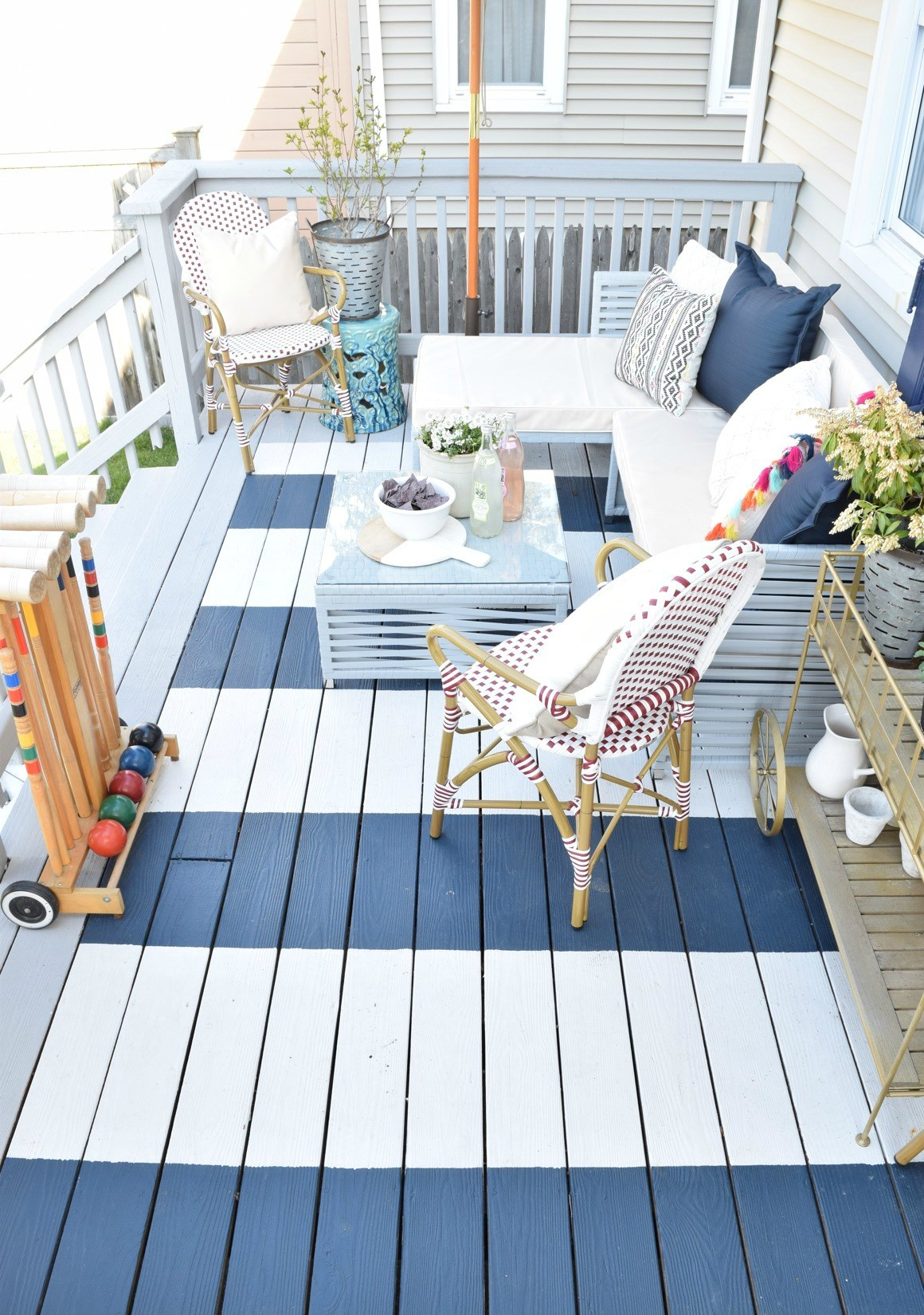 Modern Coastal Chic Patio Decor