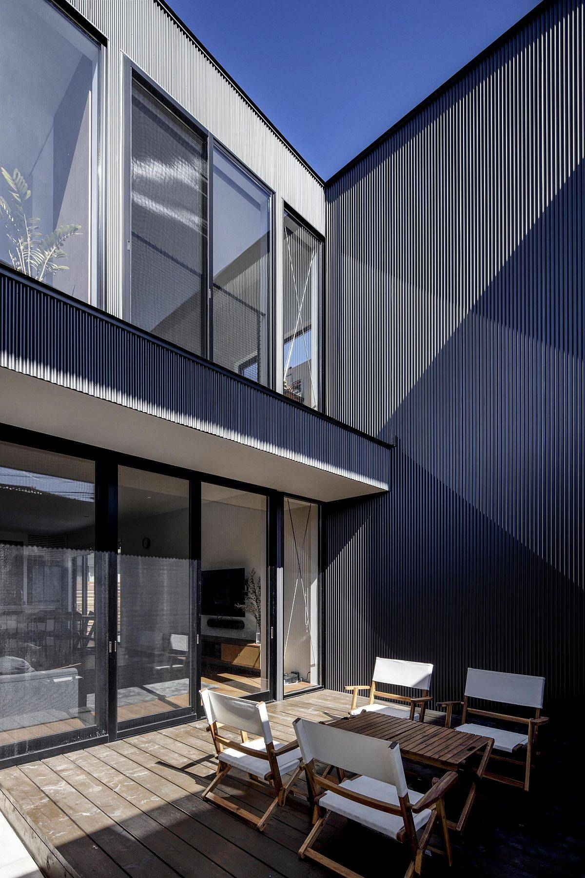 Central courtyard of the japanese home promises complete privacy