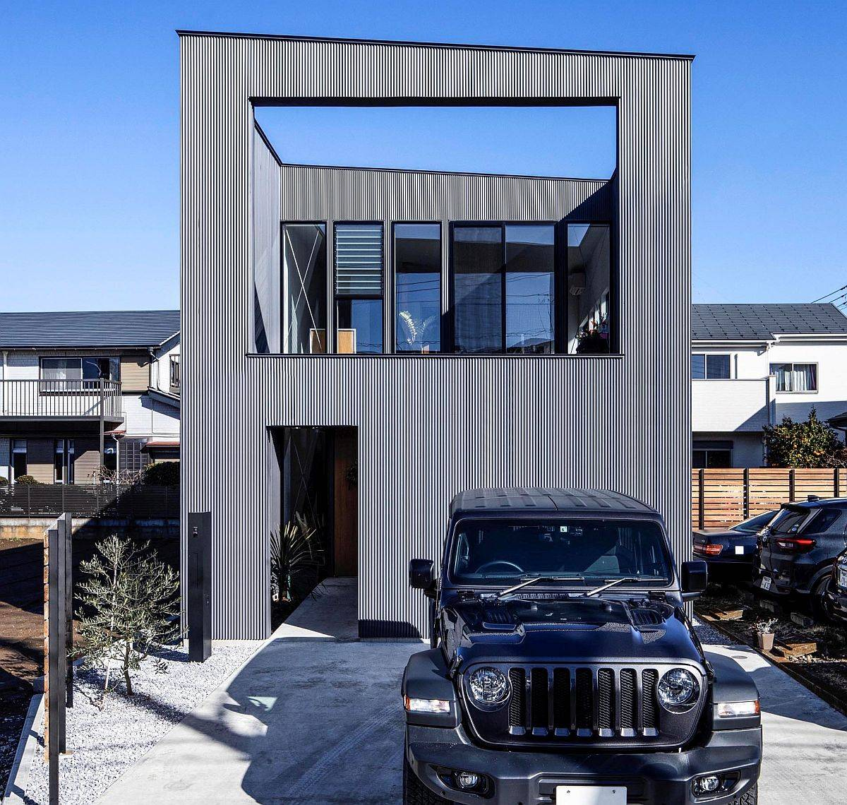 Contemporary and space-savvy House-I designed by N.A.O in Japan