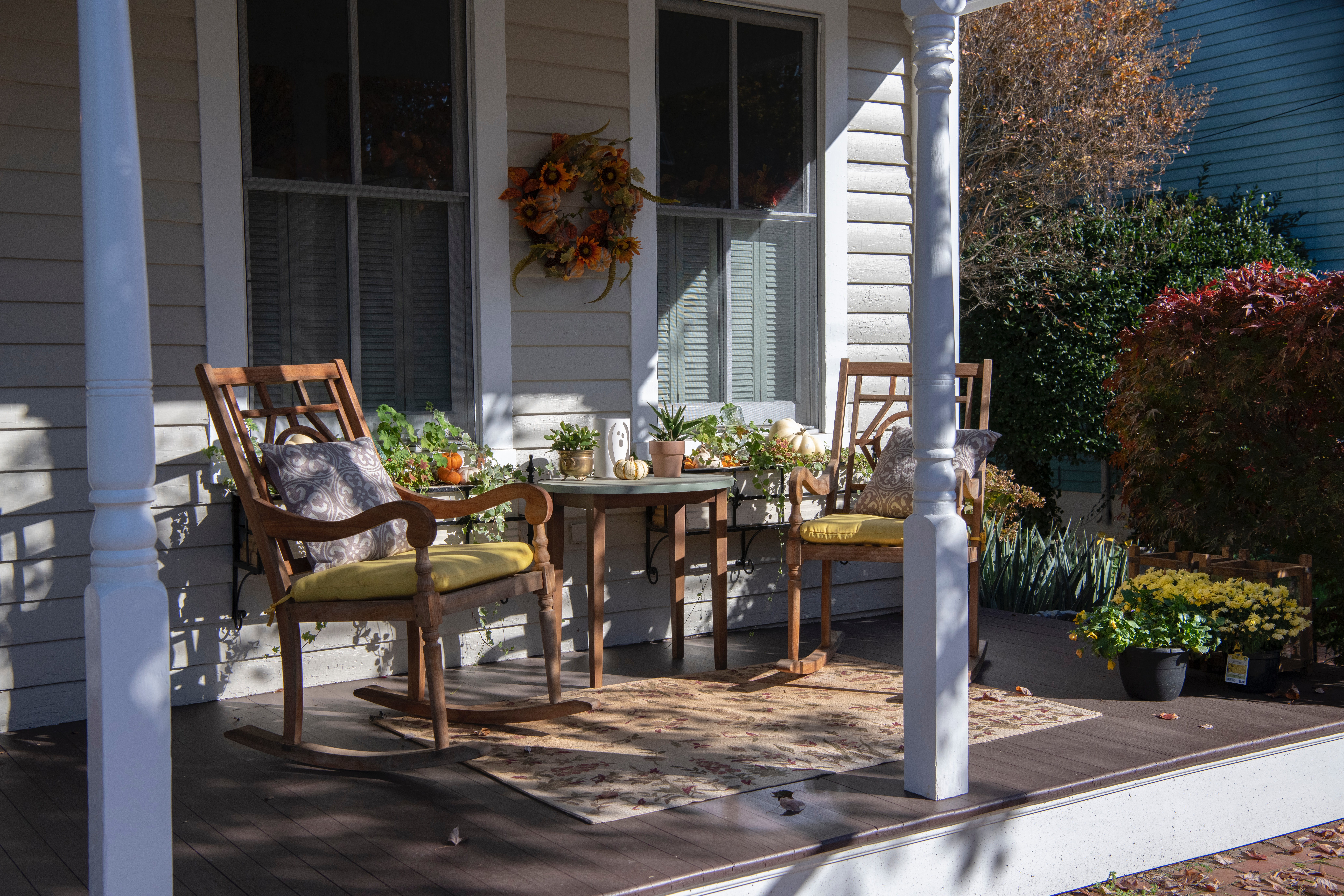 15 Porch Decor Ideas to Inspire You