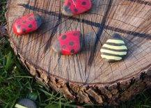 Ladybug vs Bumblebee Tic Tac Toe on a Tree Stump