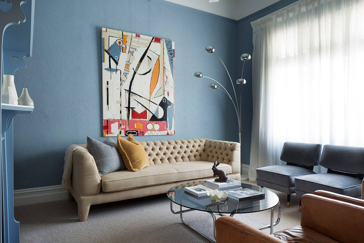 Lighter shades of blue can be used in a more extensive fashion in the modern living room