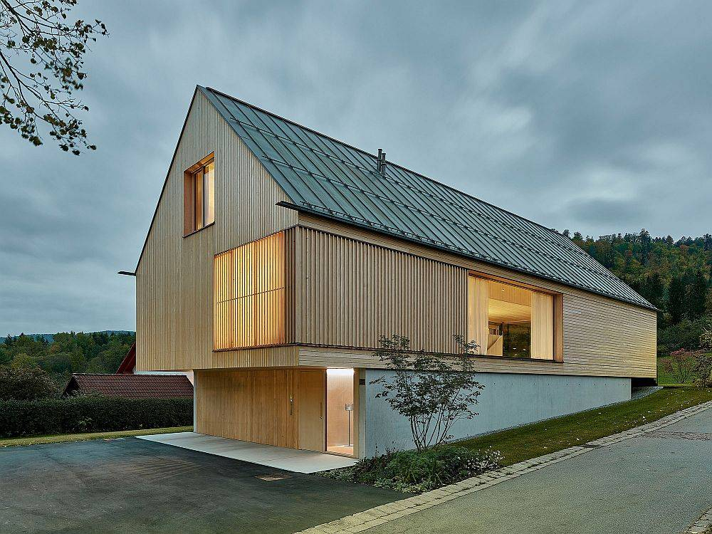 Modern home in wood and concrete designed by Dietrich Untertrifaller Architekten in Germany