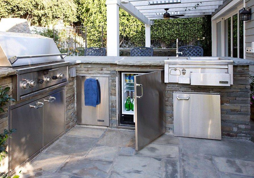 Patio Kitchen with Grill and Mini Fridge
