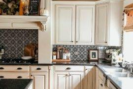 15 Farmhouse Backsplash Ideas for Your Kitchen