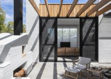 Timber-beams-offer-shade-for-the-outdoor-sitting-area-71204-217x155