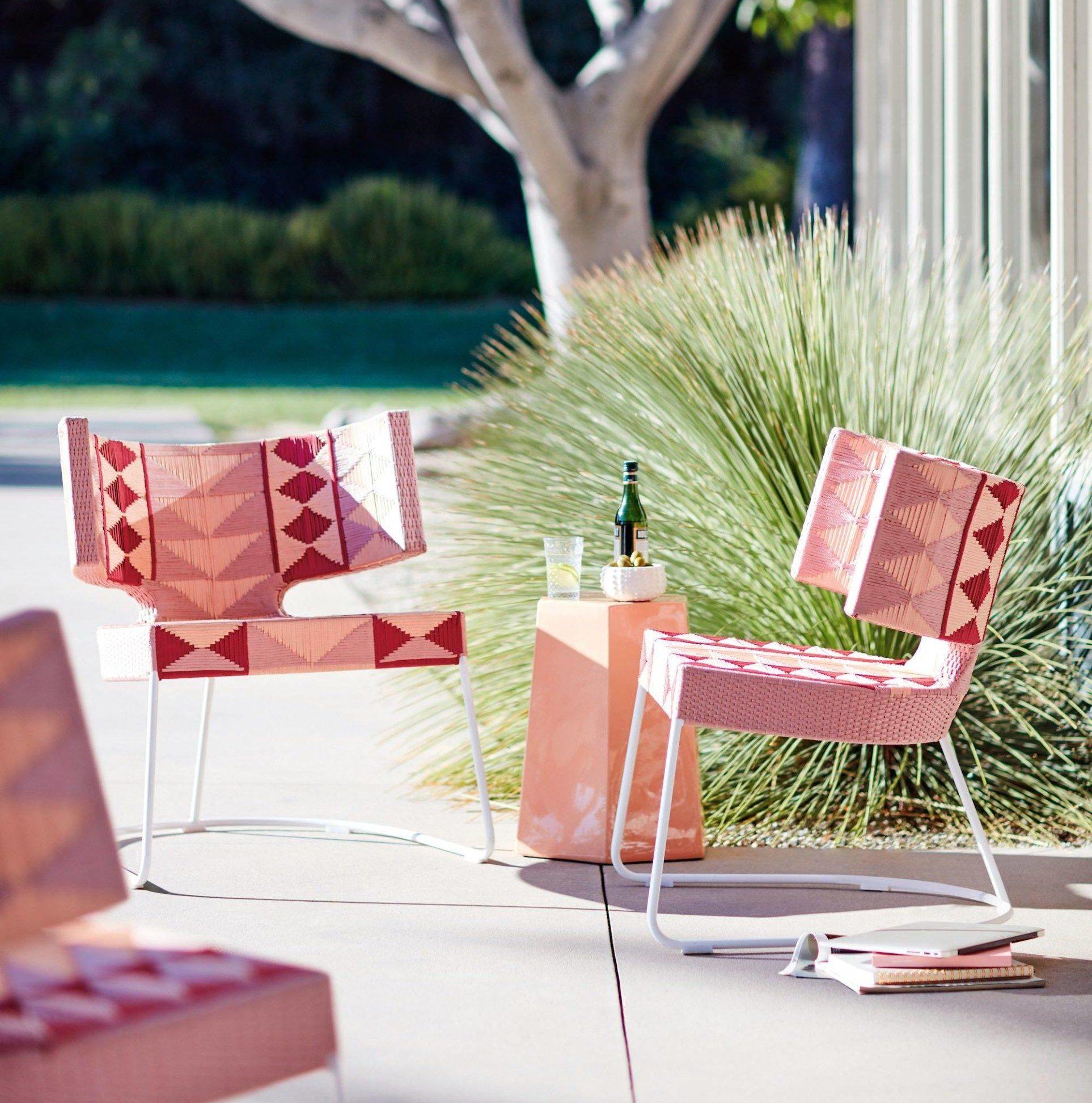 Anthropologie Patio Decorative Outdoor Wicker Chairs Pink Aztec Geo Seating