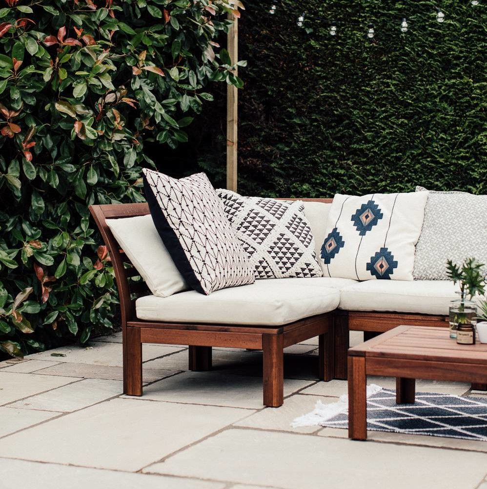 Modern Ikea Applaro Comfortable Outdoor Patio Lounge Chair Seating Geo Patterned Throw Pillows