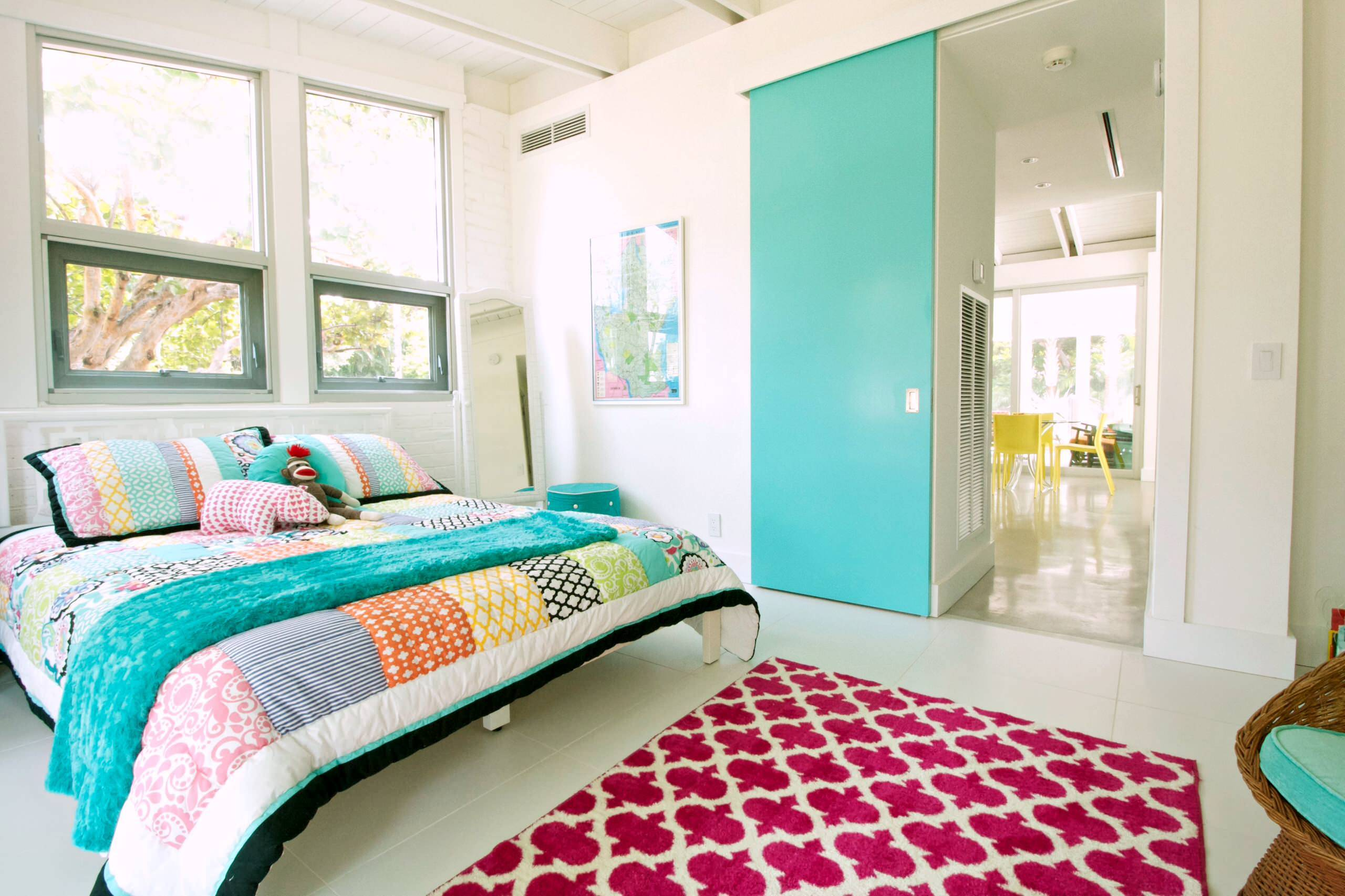 Accent Door Bright Bedroom Blue Teal Aqua Red Area Rug Decor