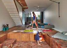 Creative-living-room-floor-contains-wooden-boxes-that-offer-ample-storage-space-70848-217x155