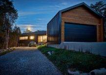 Entry-and-driveway-leading-up-to-the-beautiful-modern-Holston-River-House-67820-217x155