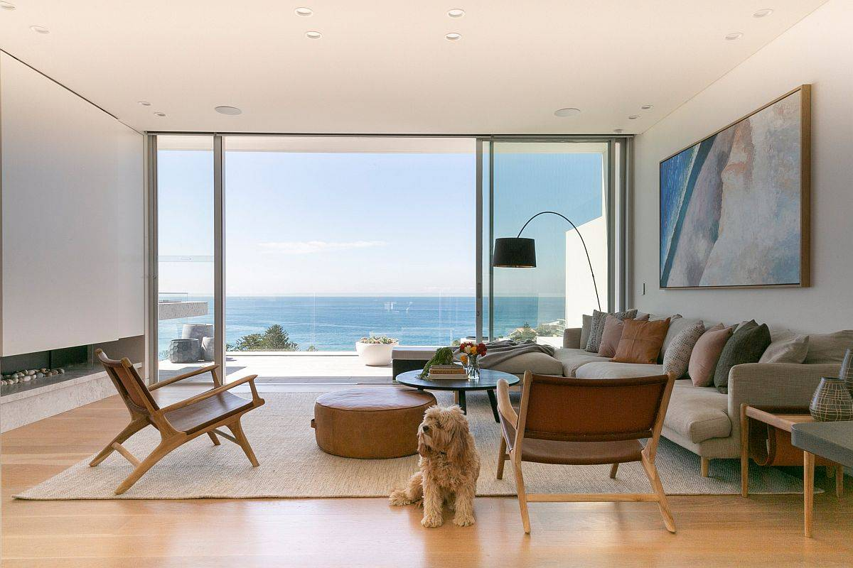 Exquisite-living-room-with-an-exquisite-sofa-and-a-view-that-steals-the-spotlight-41237