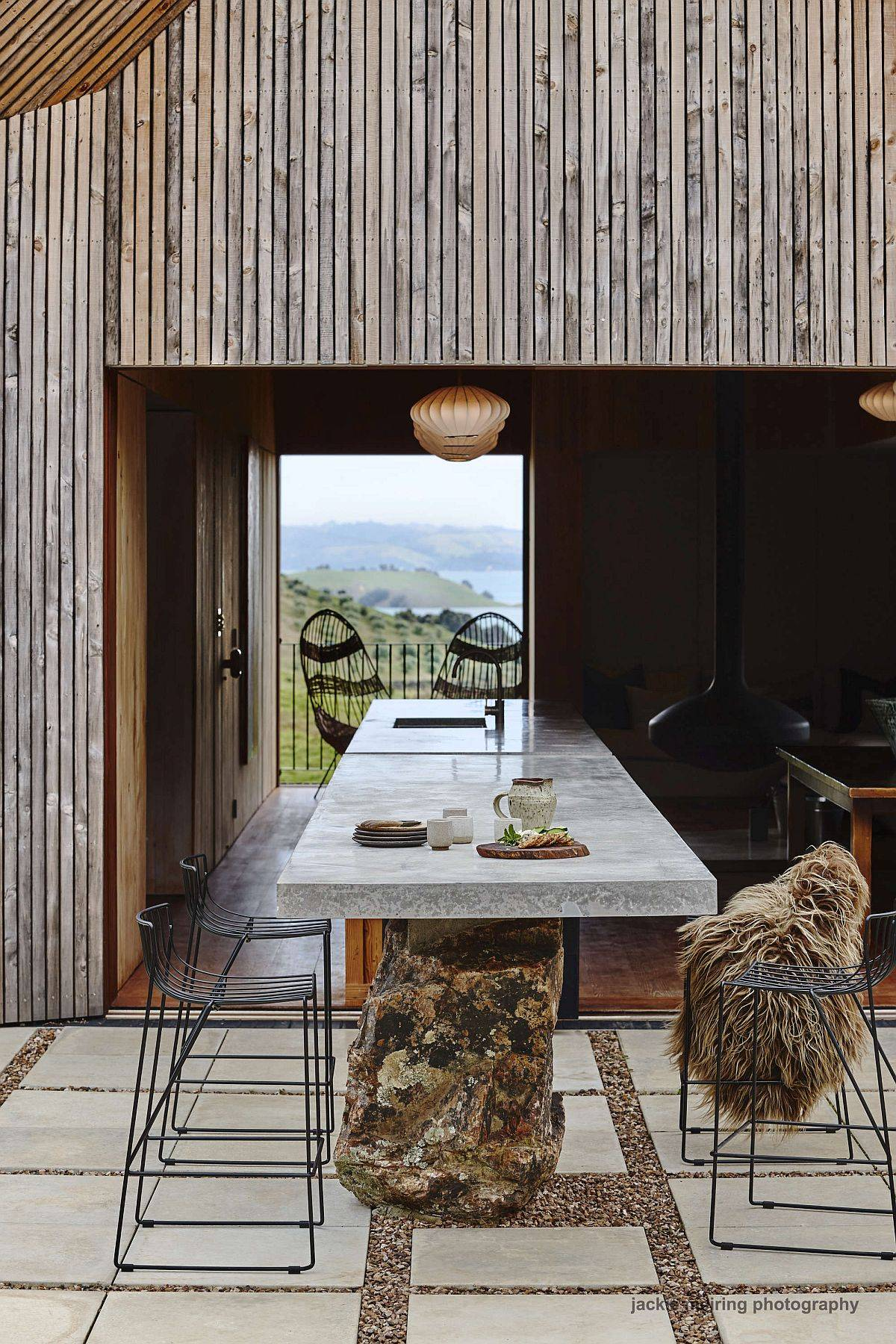 Kitchen-inside-the-house-extends-into-the-outdoor-sitting-and-eating-area-65440