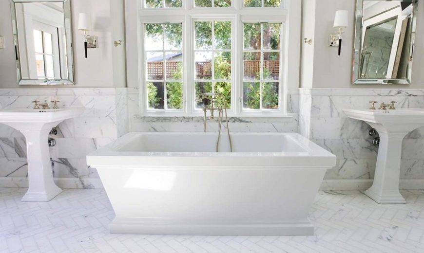 Monochromatic White Bathrooms: Serenity with Sophistication Unleashed!