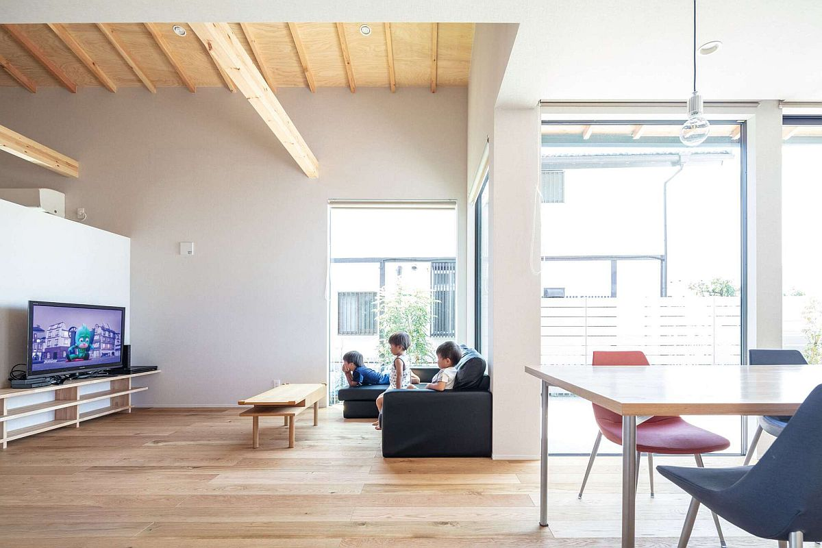 Minimal-and-modern-interior-of-the-urbane-Japanese-home-29934