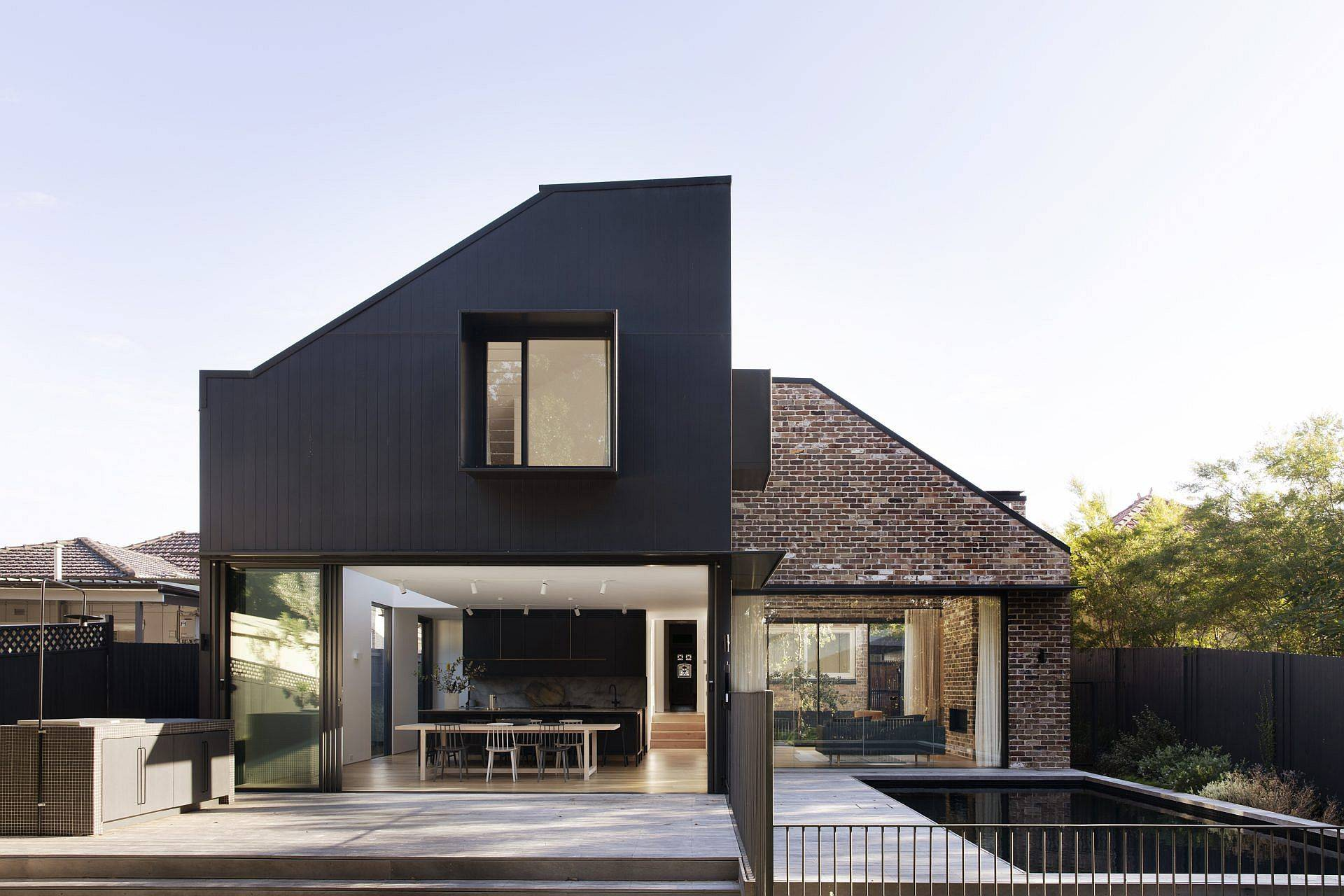 Planned-and-concealed-rear-extension-of-the-federation-era-home-79466