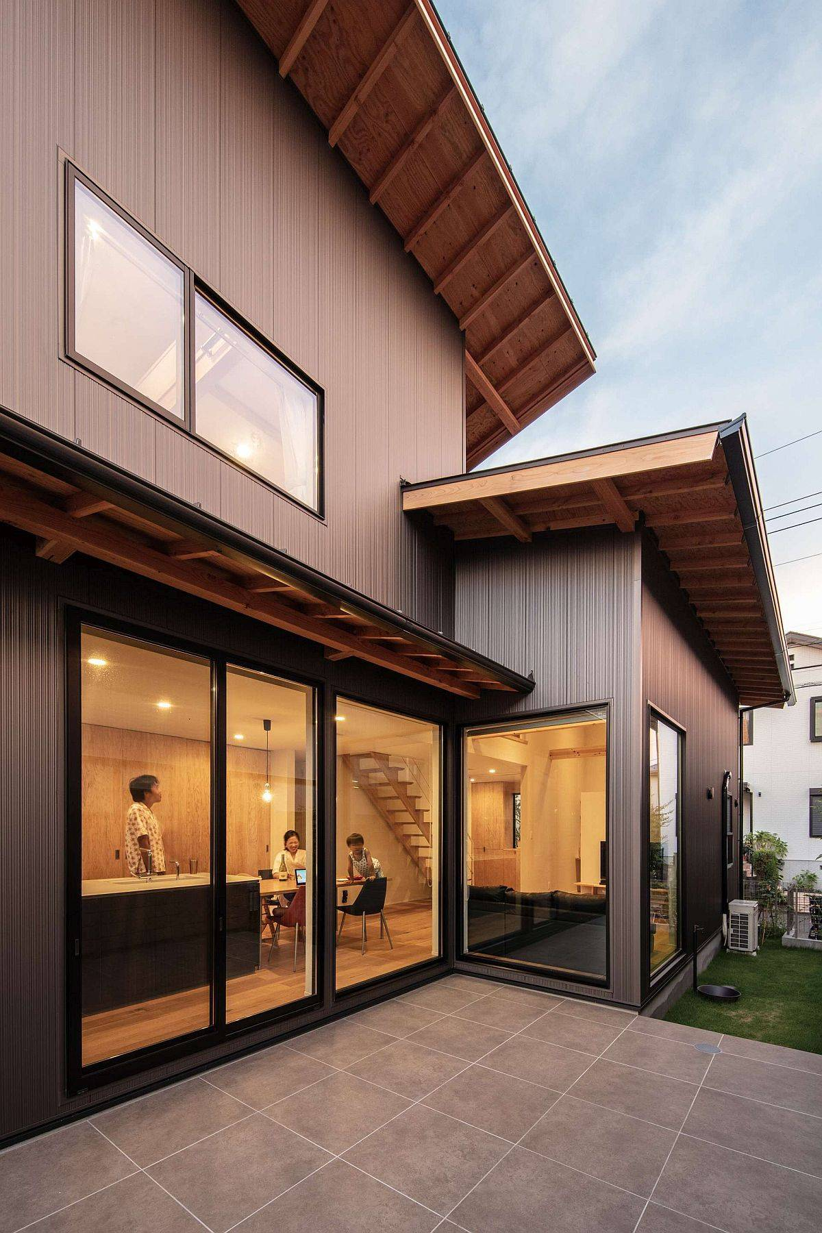 Sliding-glass-doors-of-the-house-connec-the-kitchen-and-living-area-with-the-exterior-20780
