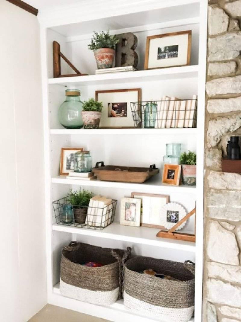 Designed Open Shelves in Living Room
