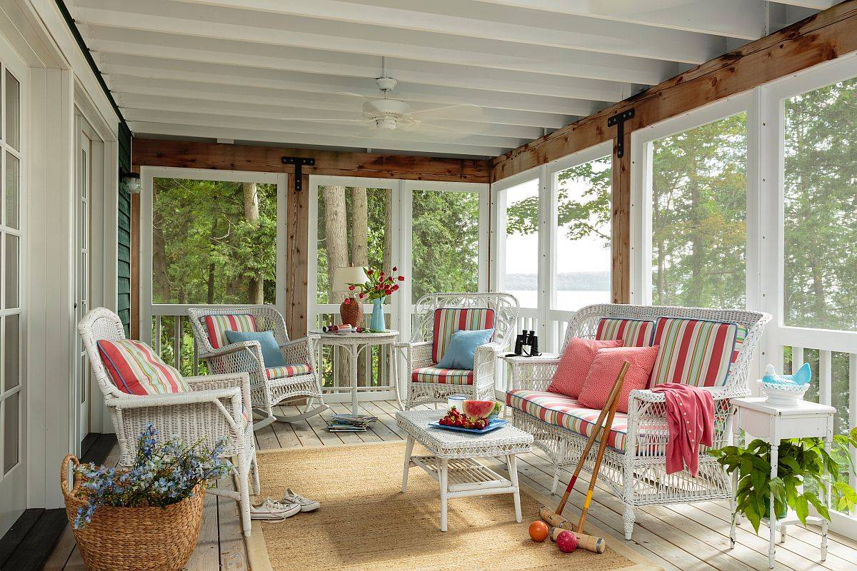 Accent-colors-on-the-beautiful-white-porch-give-it-a-bright-summery-appeal-48094