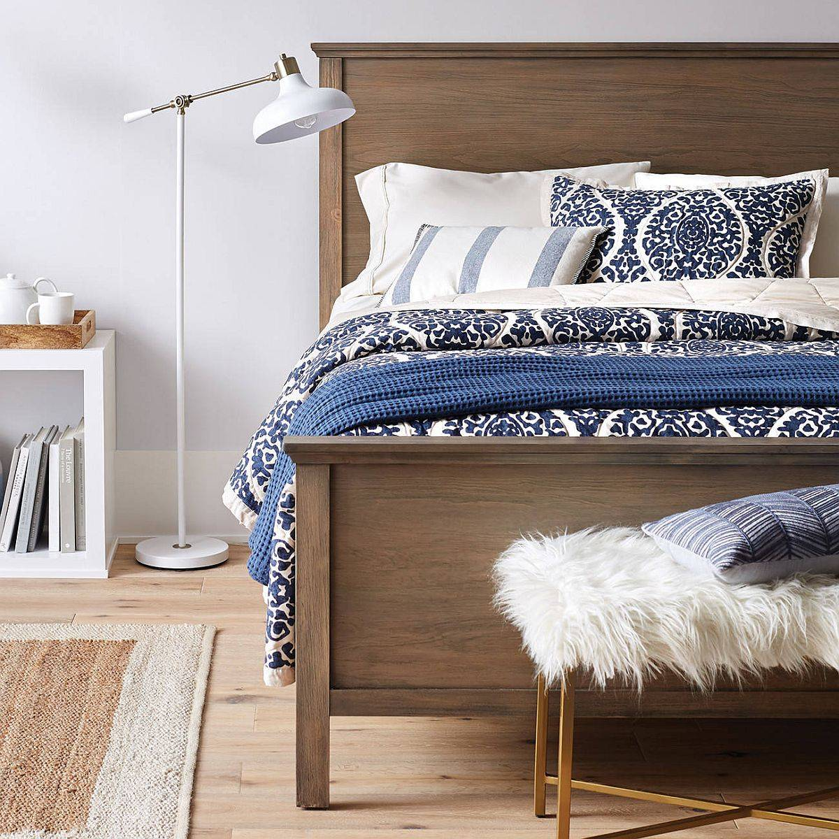 Bedding-in-beachy-blue-is-perfect-for-the-summer-inspired-bedroom-55054