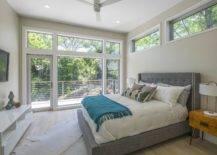 Kamar-kamar-kontemporer-rumah-terhubung-ke-Poch-menawarkan-pemandangan-hijau-indah-66235-217x155