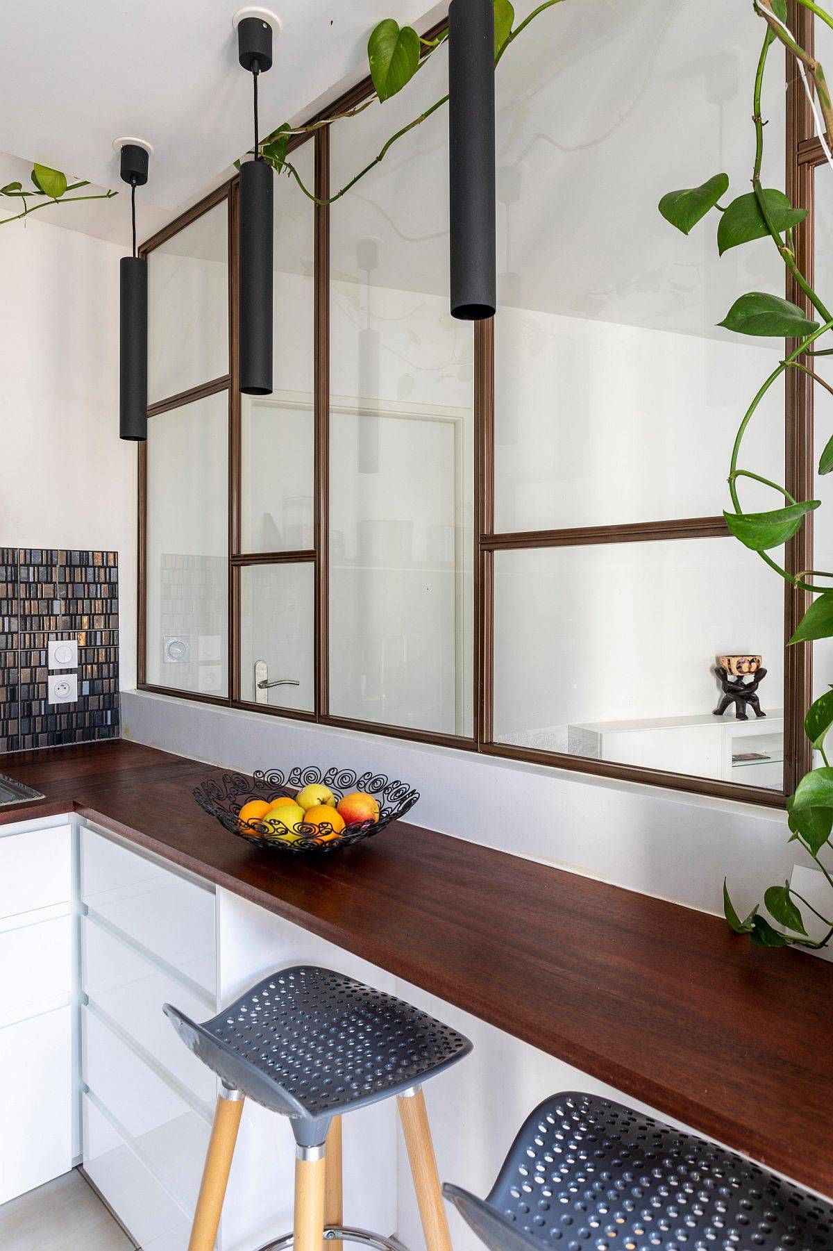 Creating-a-breakfast-station-inside-the-small-kitchen-with-a-view-of-the-living-and-dining-area-25524