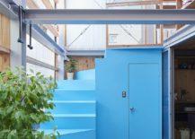 Kustom-tangga biru-dan-kamar-ke-tingkat-atas-rumah-80716-217x155